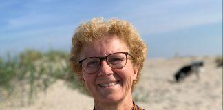 Een foto van Liesbeth Velthuizen, zij is onderdeel van het crisisteam op de biotech campus in Delft