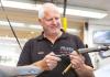 Jos van Esschoten van Van der Plank Tweewielers heeft sinds corona meer klanten dan ooit