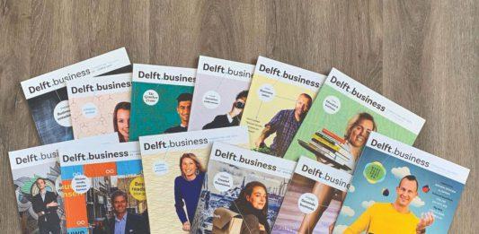 Een foto van een stapel Delft.business magazines